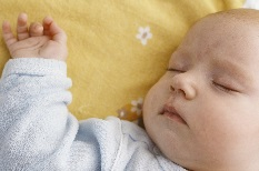 Parents reminded about Safer Sleep for babies this Christmas